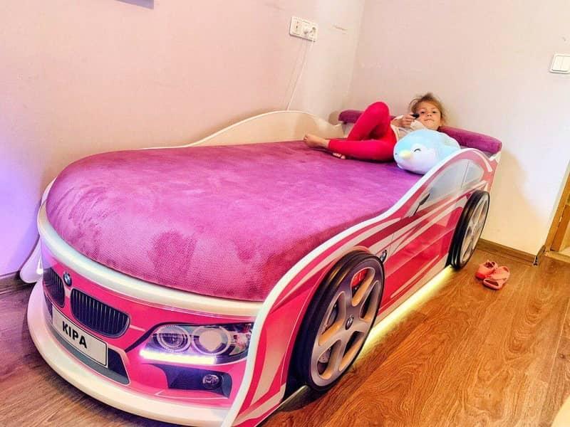 кровать машинка бмв розовая для девочки