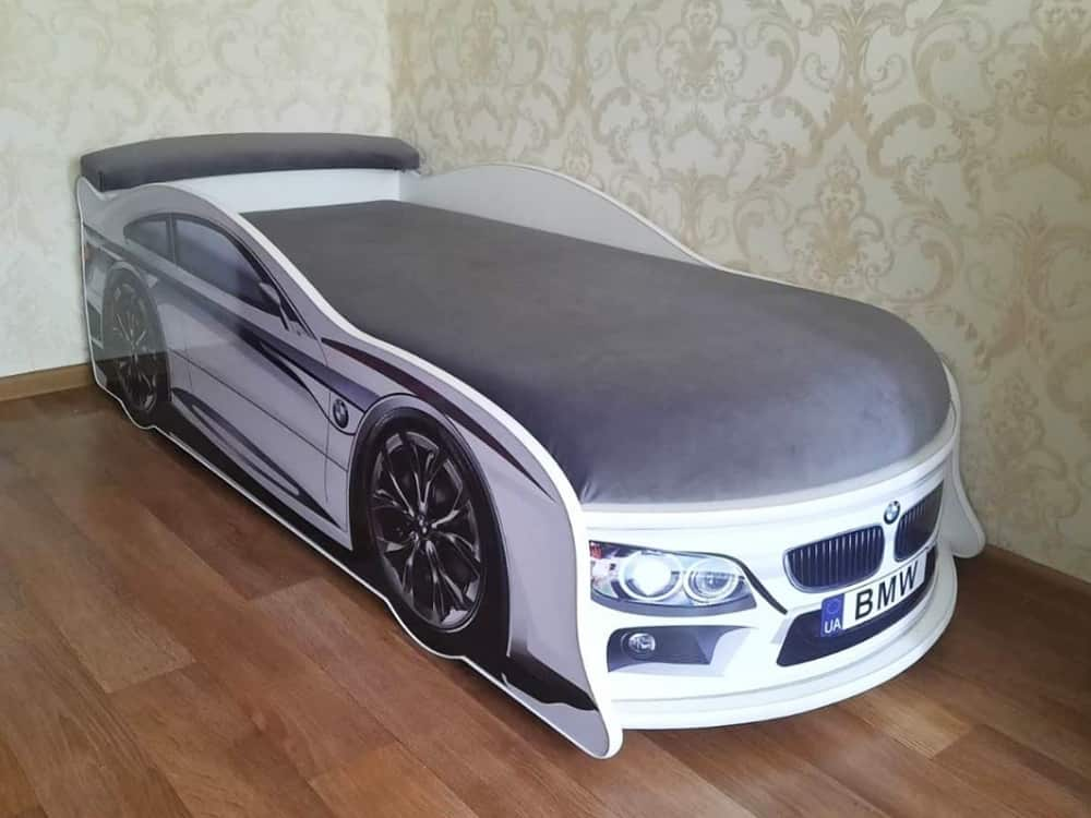 кровать машина бмв с матрасом белая