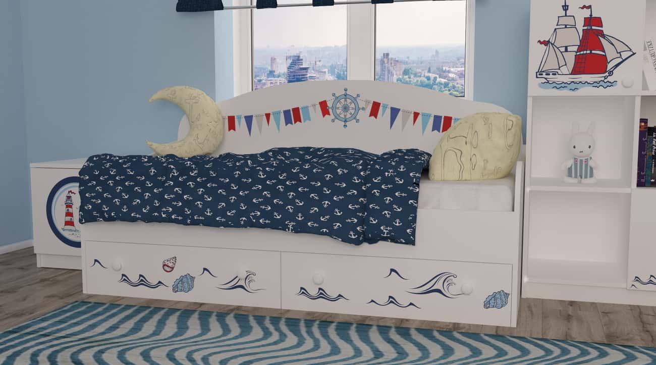 кровать с высокой спинкой с корабликом