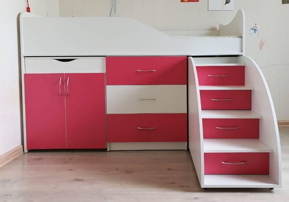 кровать чердак розовая со столом