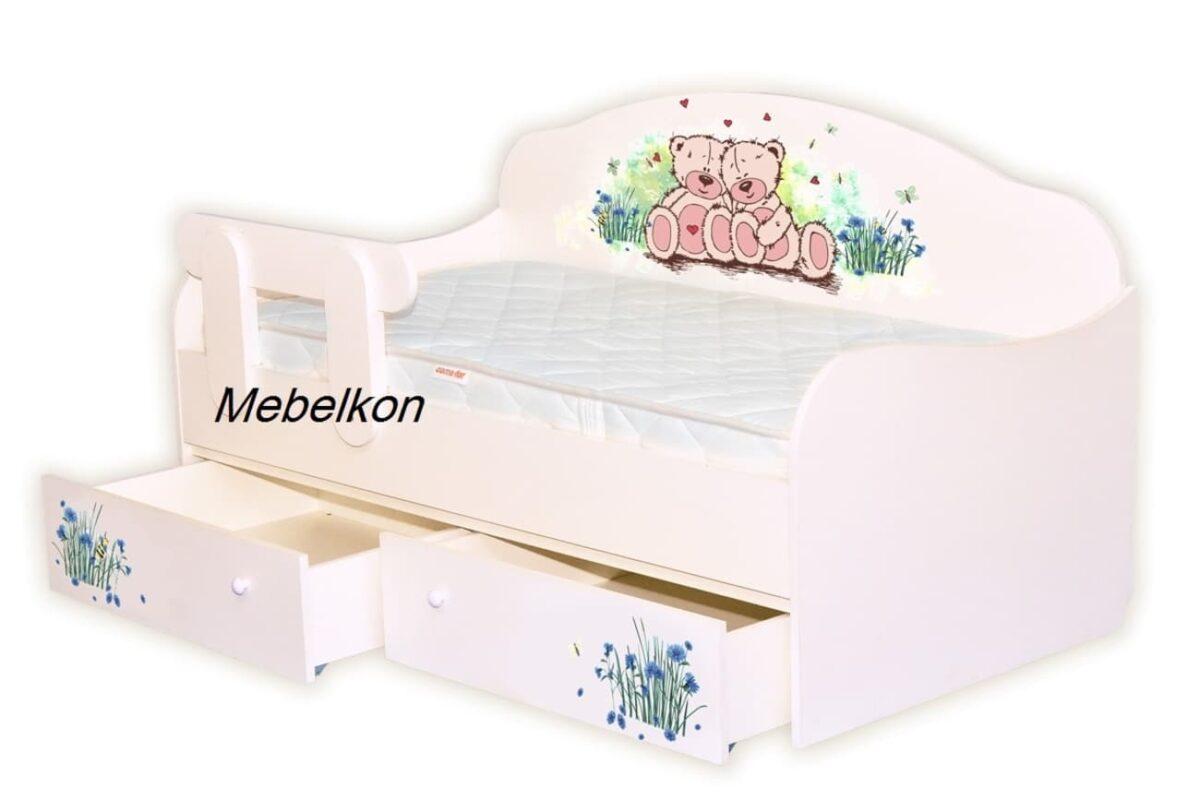 ванильная кровать с мишками