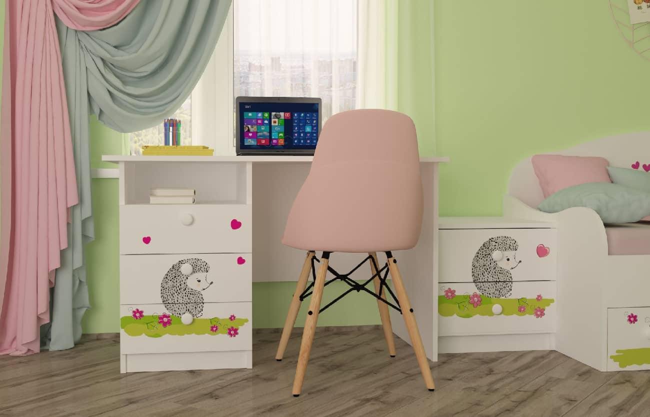 детская комната совушки со столом и тумбой