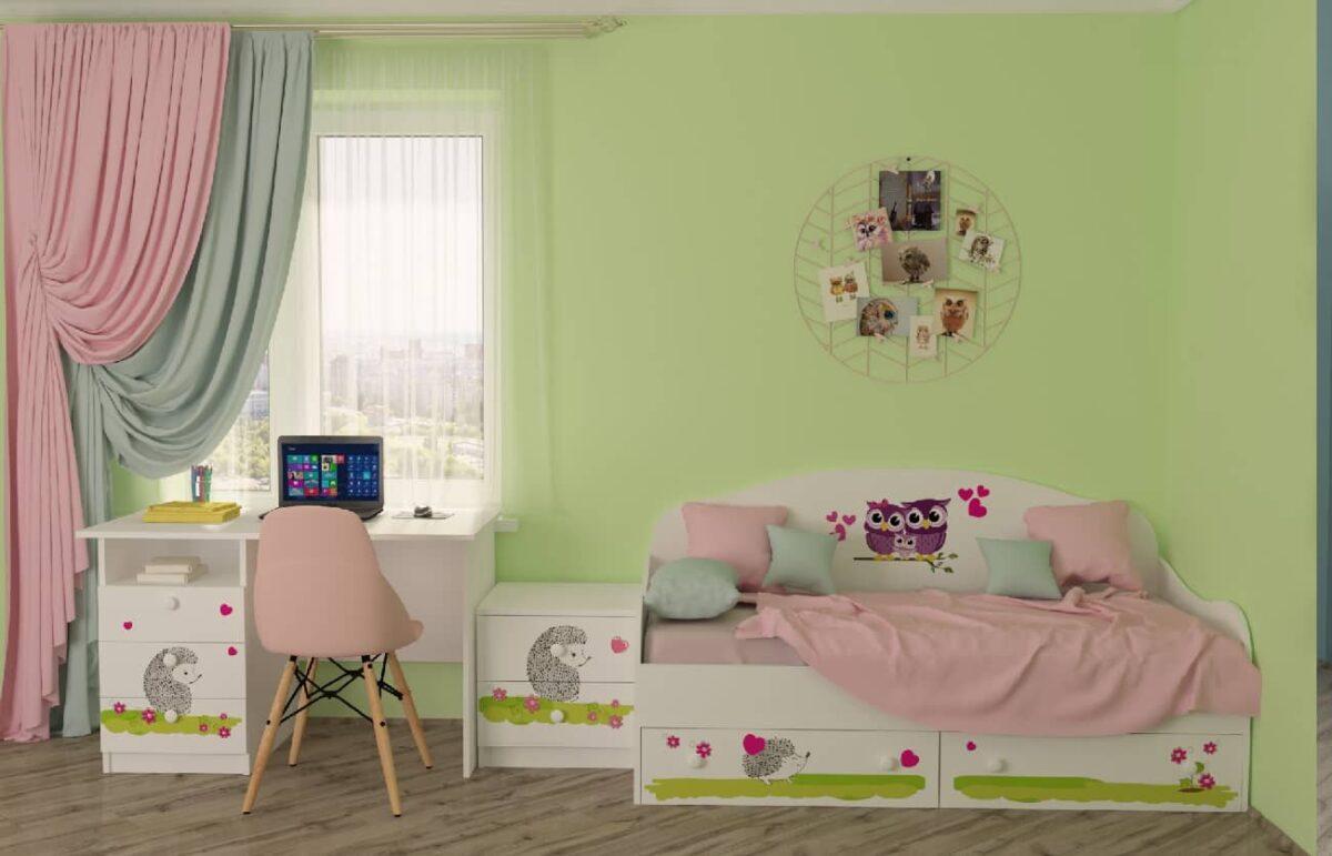 детская комната совушки с кроватью и столом