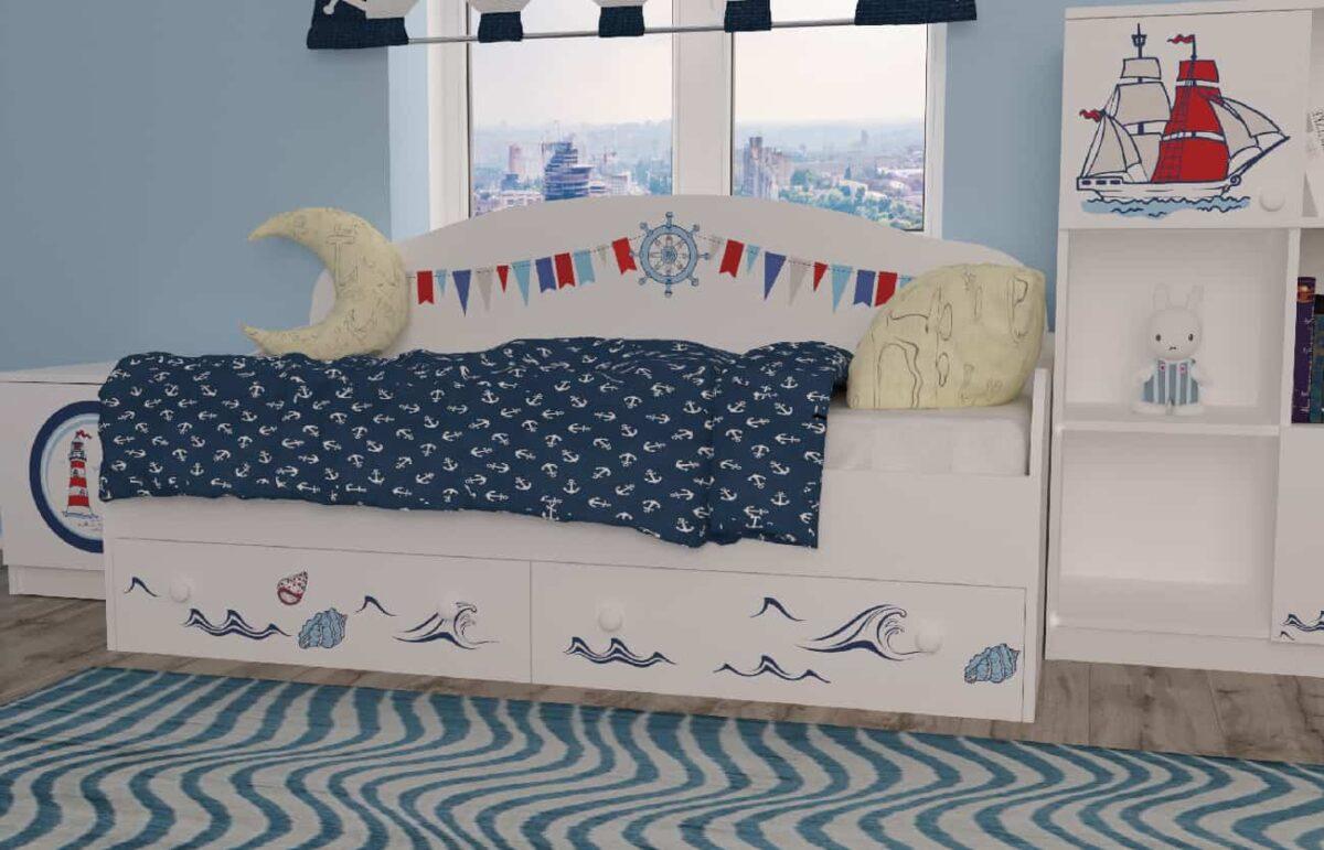 Кровать диванчик кораблик в комнате