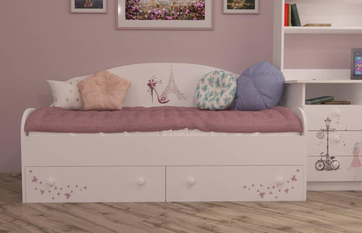 кровать диванчик париж в комнате