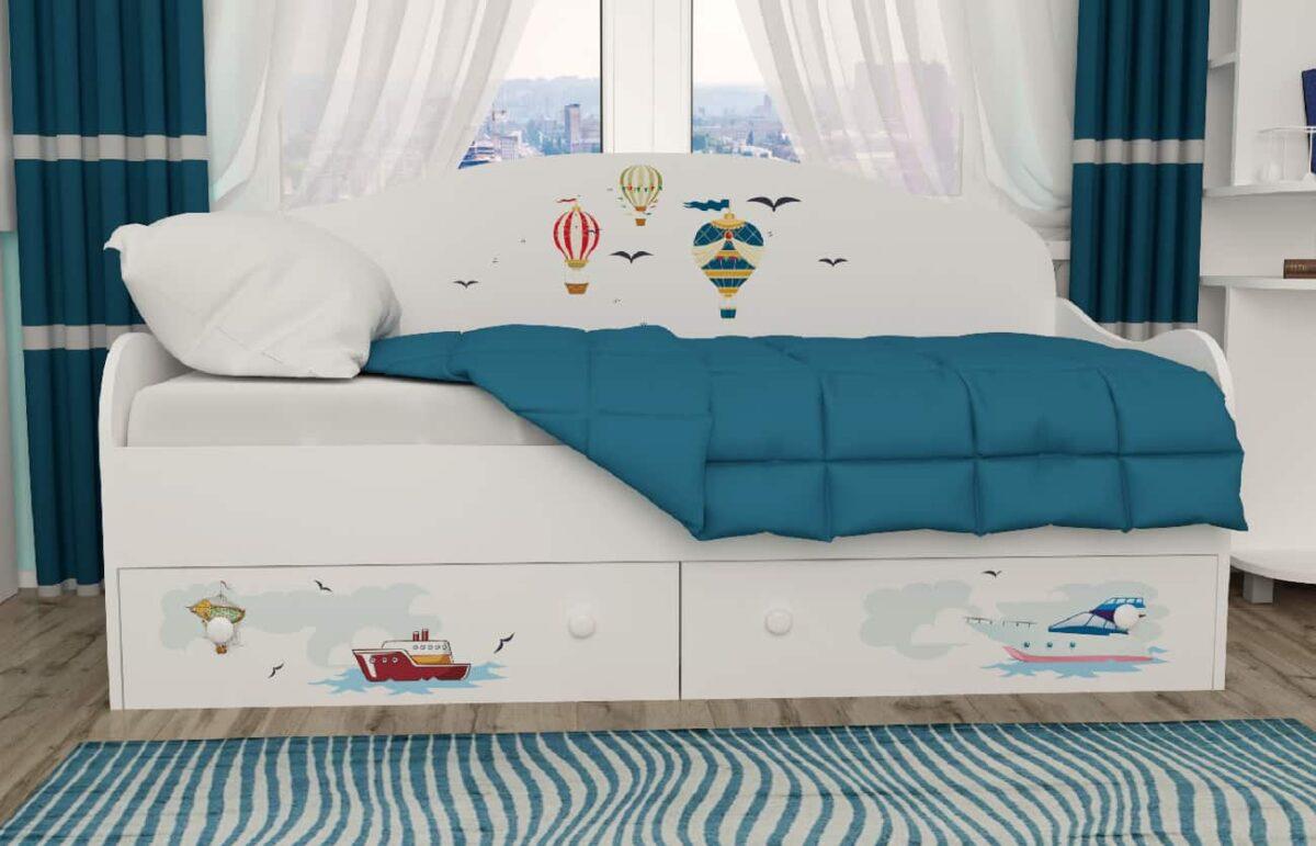 Кровать диванчик Путешествия в комнате