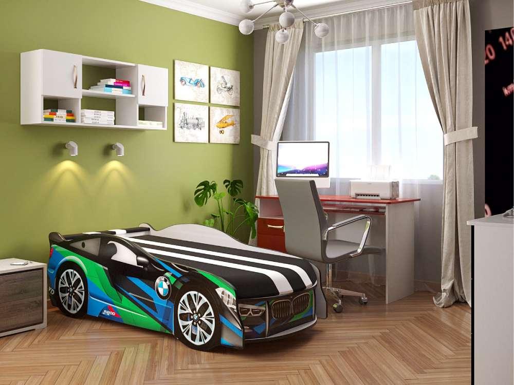 диван ліжко БМВ в кімнаті
