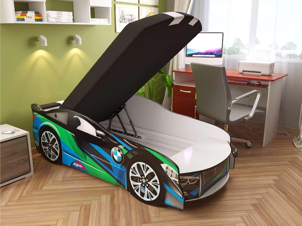 Кровать в интерьере с подъёмным механизмом БМВ
