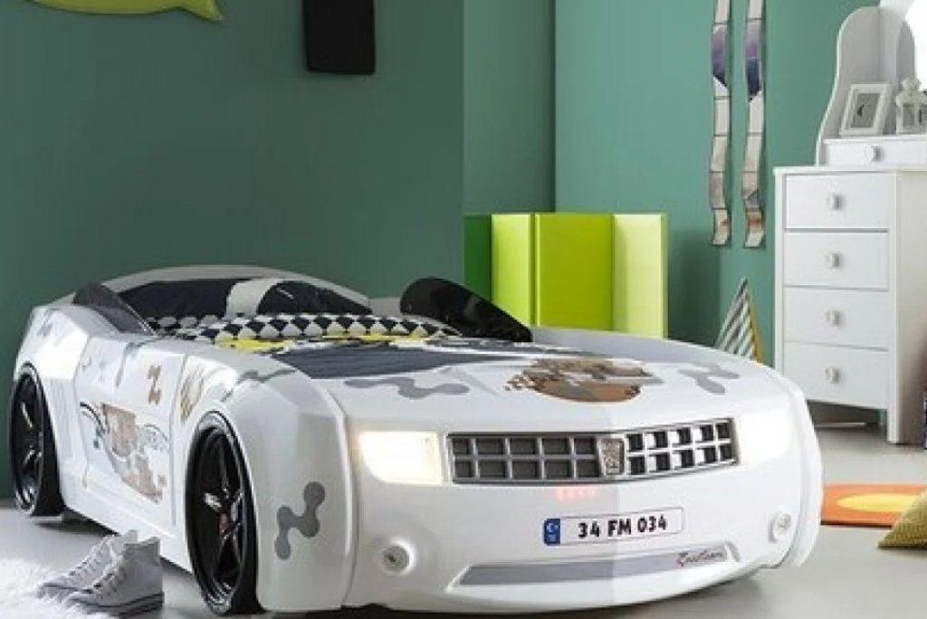 ліжко машина шевроле камаро біла з пластика