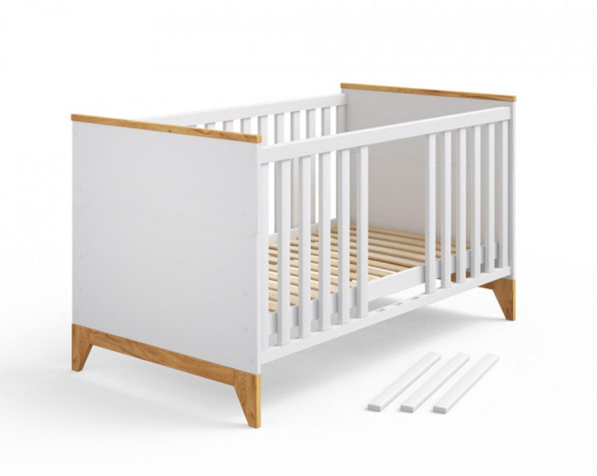 кроватка для новорожденных белого цвета