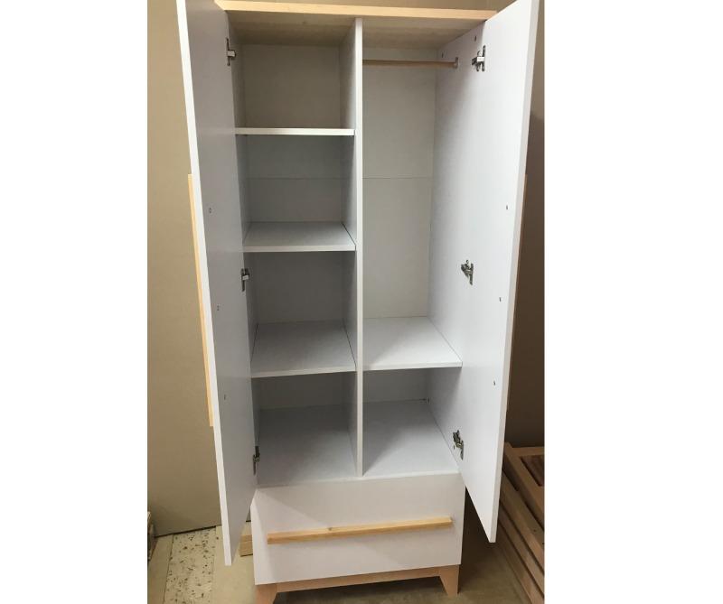 шкаф в детскую цвета мила внутри комплектация