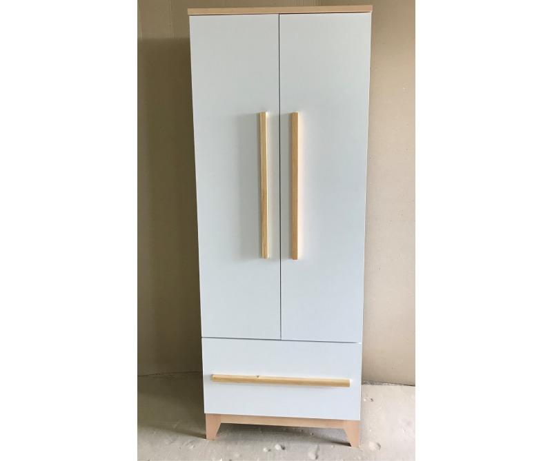 шкаф в детскую белого цвета мила
