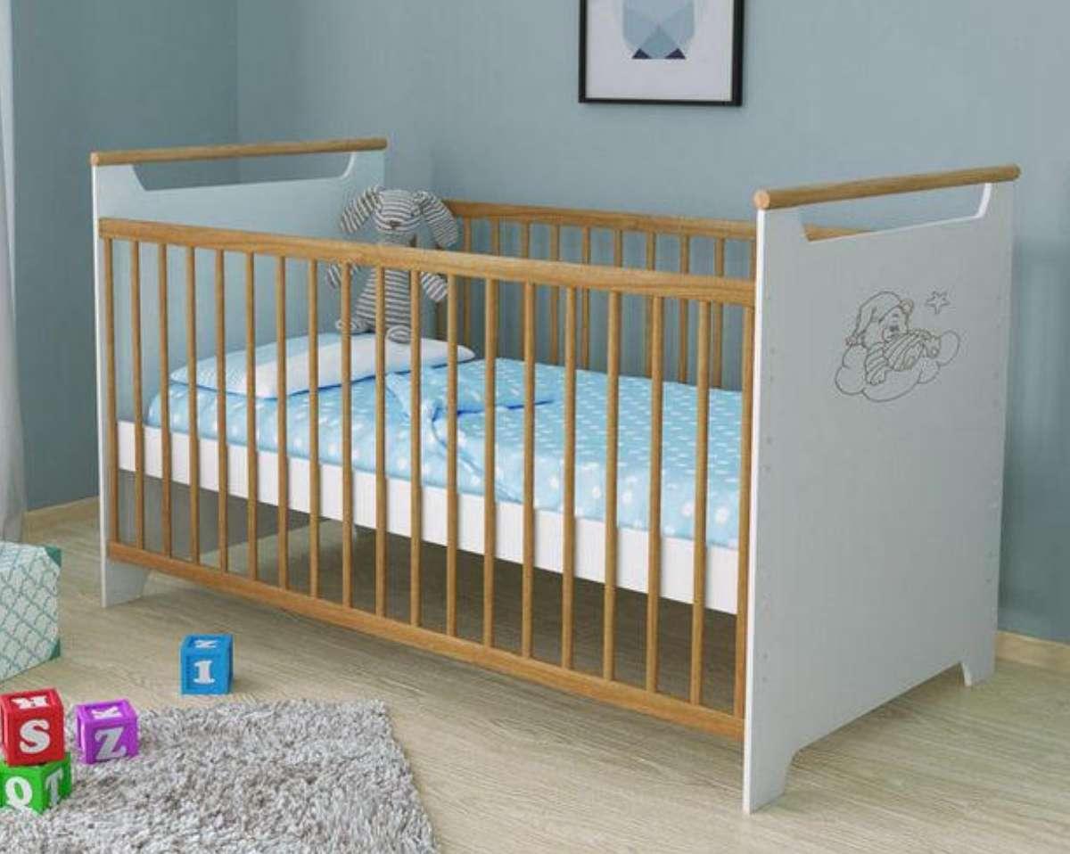 детская кроватка трансформер для новорожденных в комнате