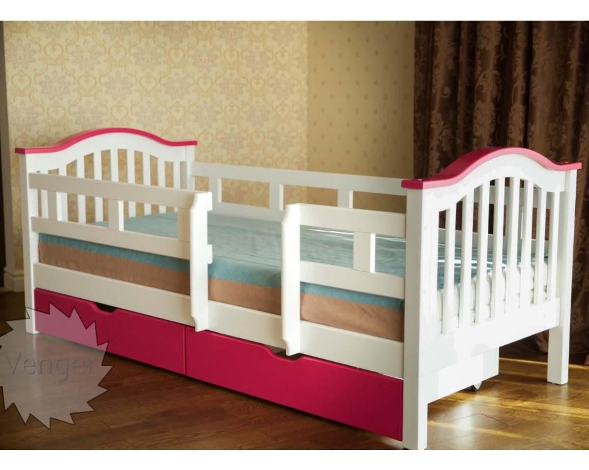 детская розовая кровать из ольхи с бортиками