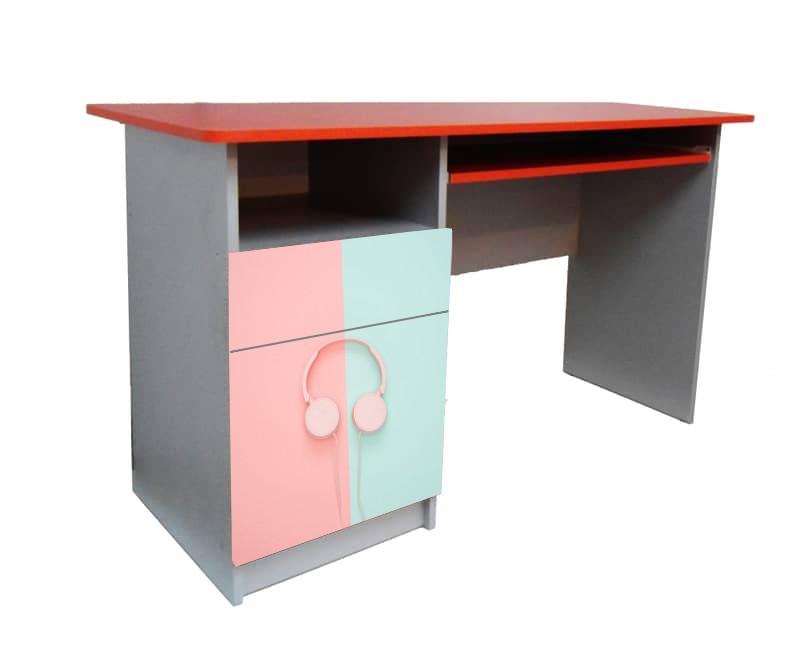 письменный стол наушники