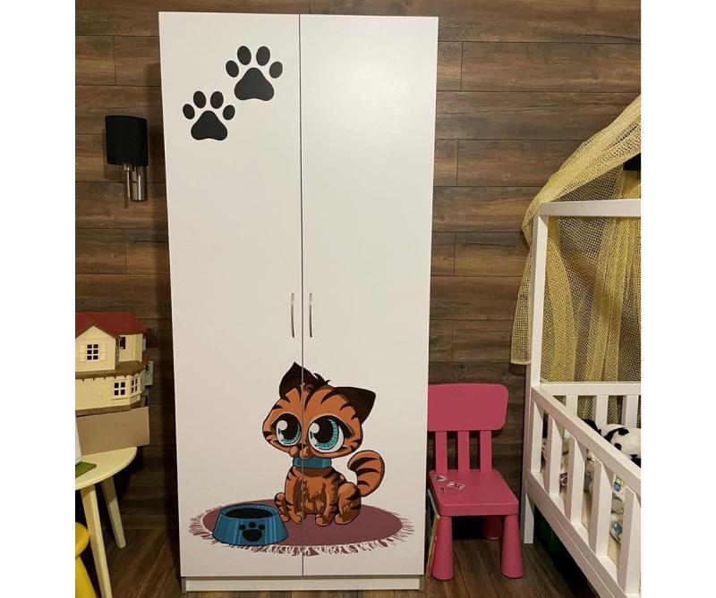 шкаф с принтом котики
