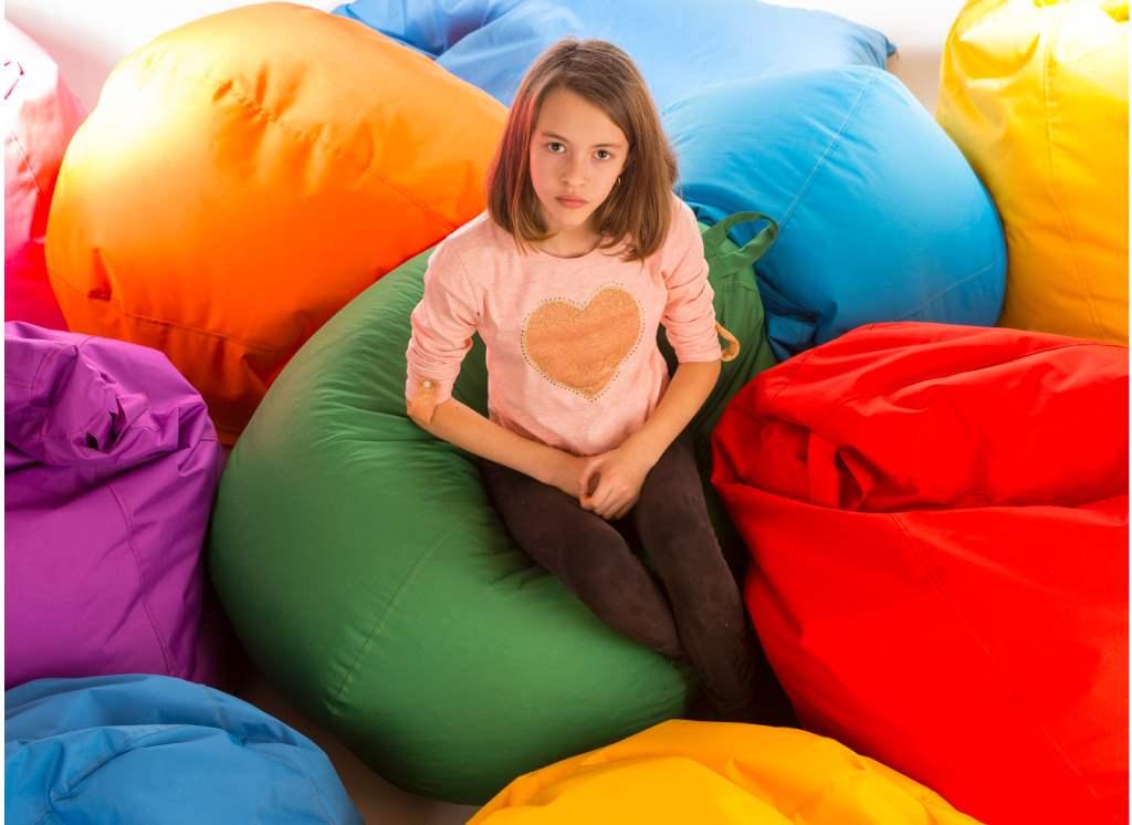 кресло мешок груша с девочкой