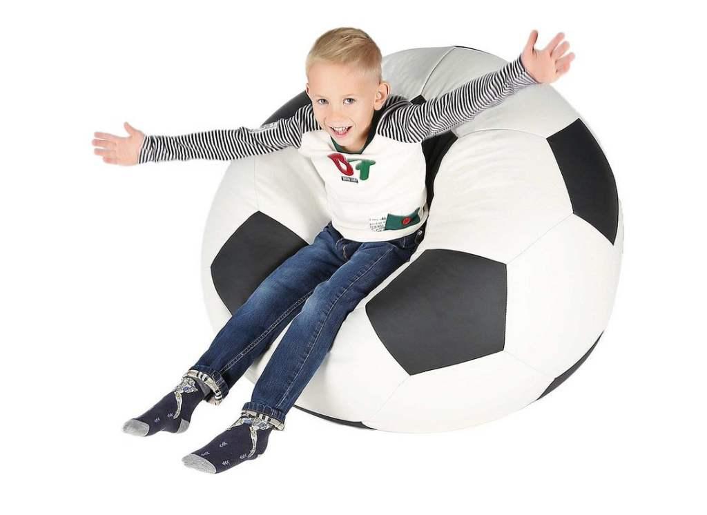 кресло мешок мяч с мальчиком