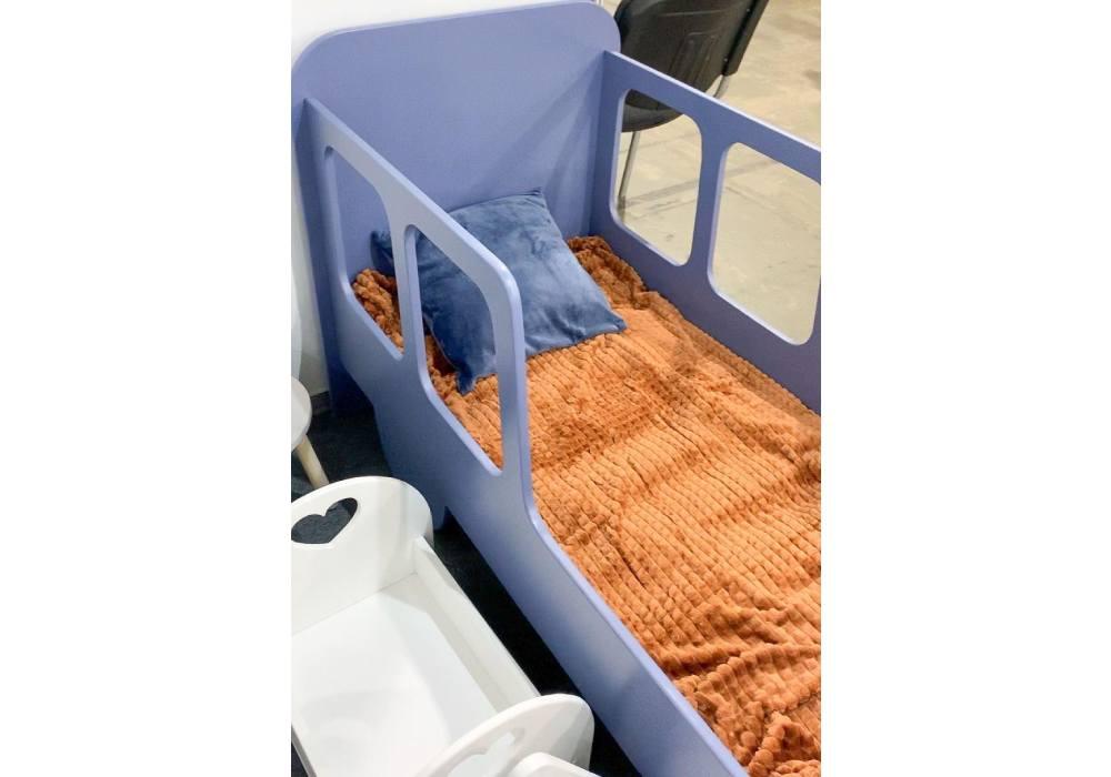 кровать машинка из мдф с окнами