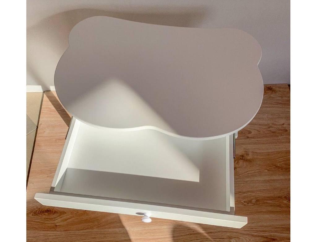 столик с выдвижным ящиком белый