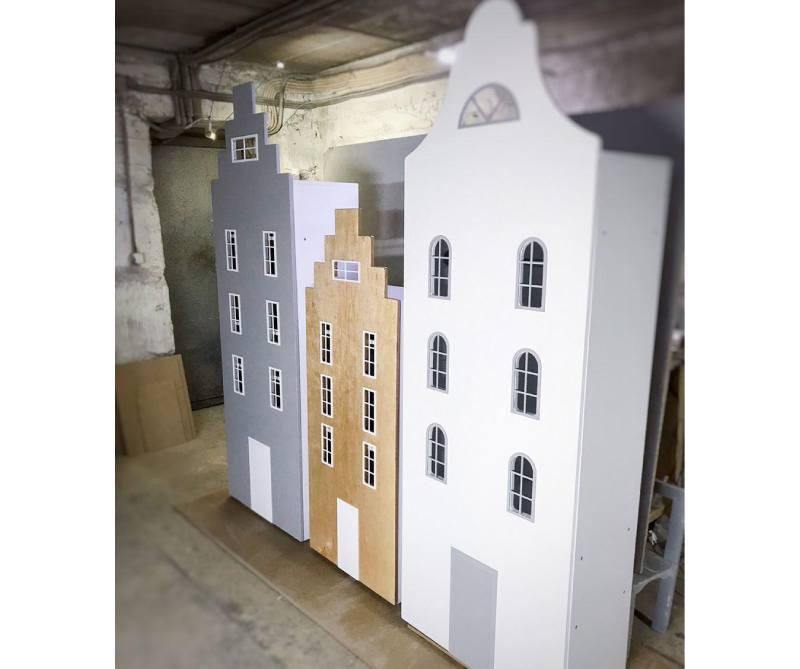 шкаф домик с окнами виды