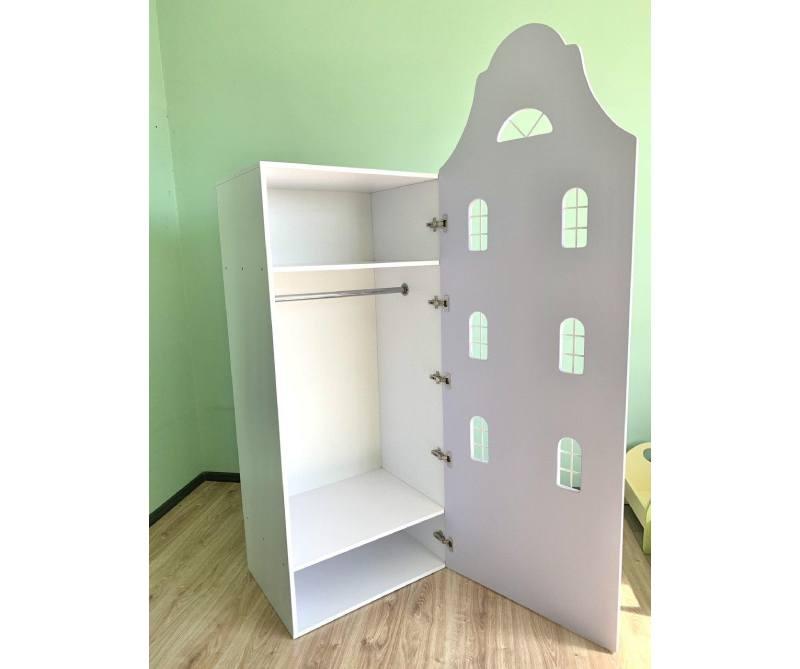 шкаф домик с окнами