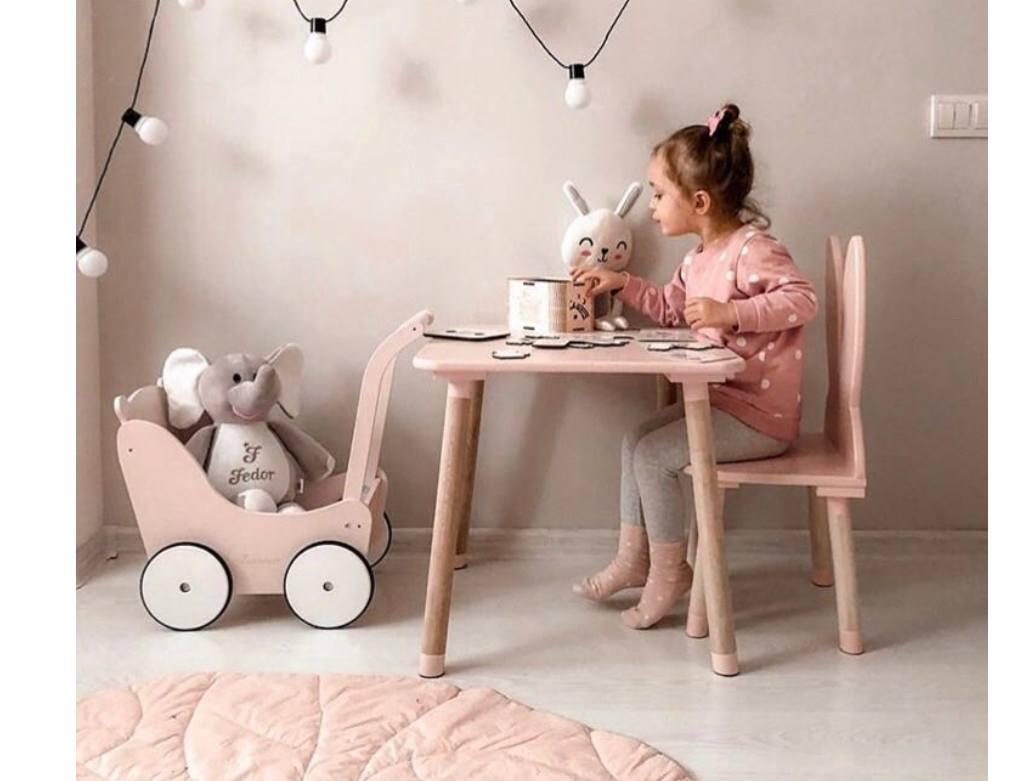 квадратный детский столик без ниши