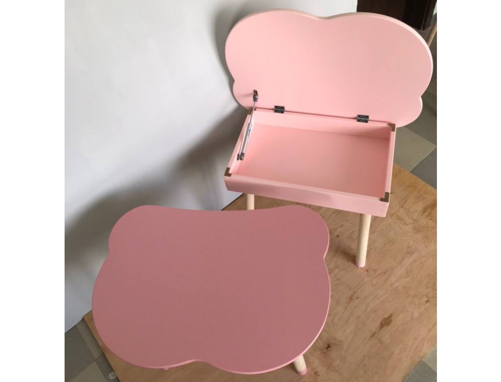 розовый столик с нишей