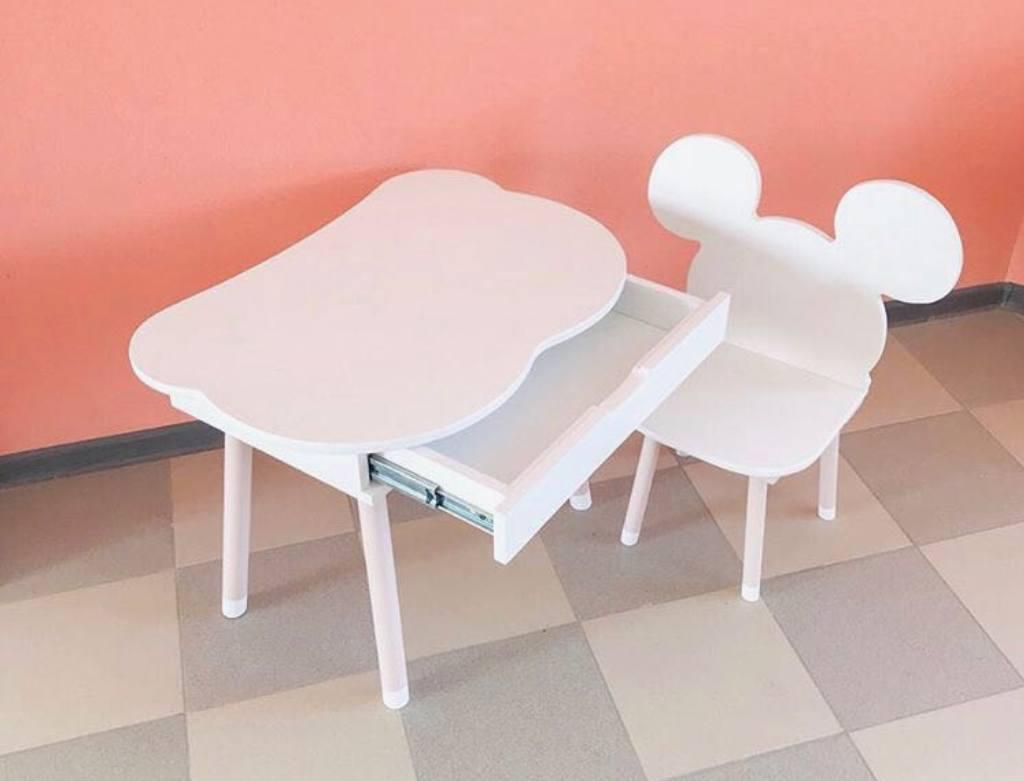 детский столик с выдвижным ящиком белый