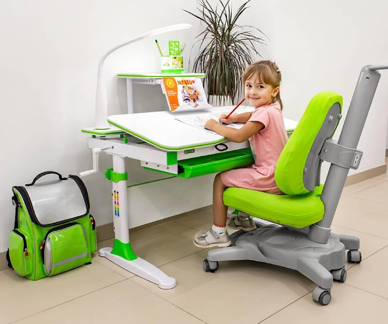 растущий стол Evo-kids Diego-EVO-30 в комнате
