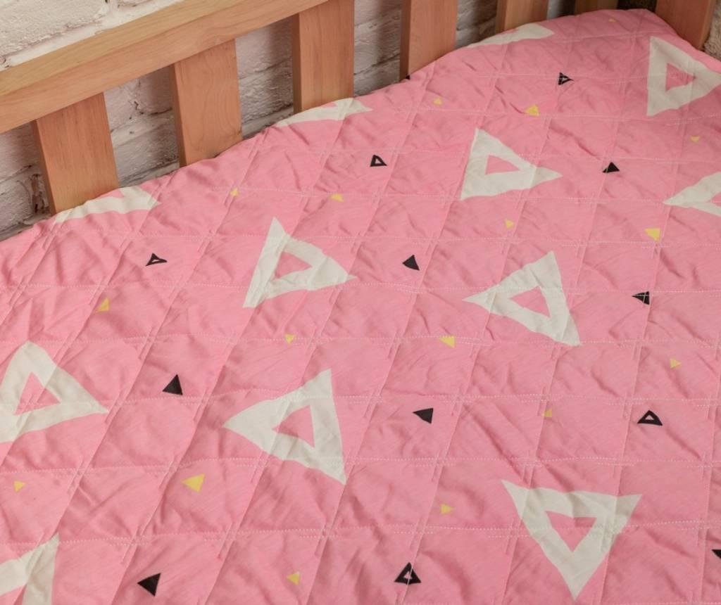 детский плед из сатина геометрия на розовом